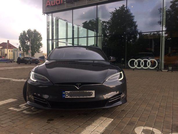 Tesla Model S 2016 / Без ДТП