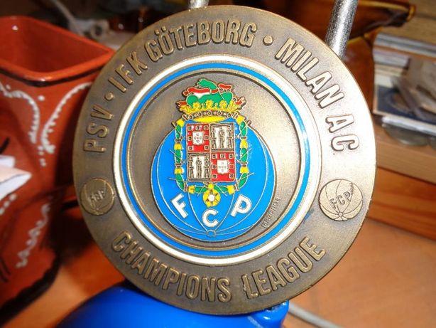 Medalha FC do Porto Champions League 92/93 latão muita linda