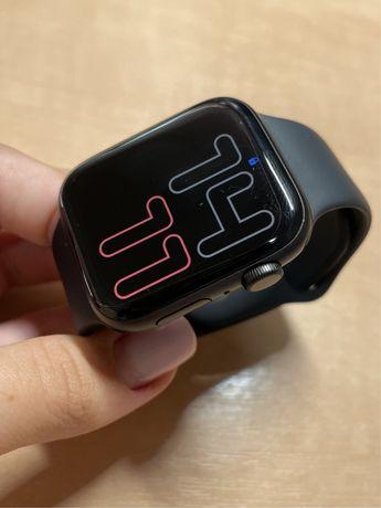 Продам часы Apple Watch SE