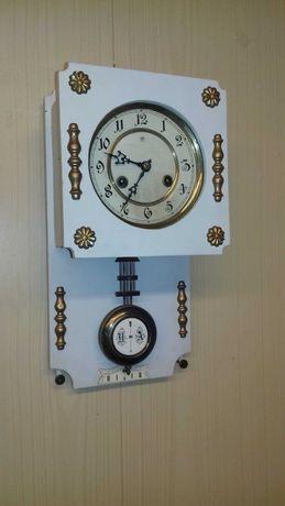 Stary zegar z sygnatura