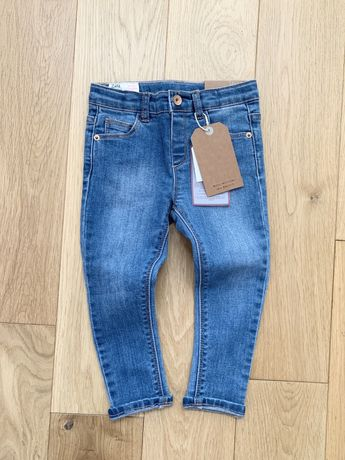 Zara r. 92 nowe jeansy spodnie dżinsy niebieskie rurki gumki dopasowan