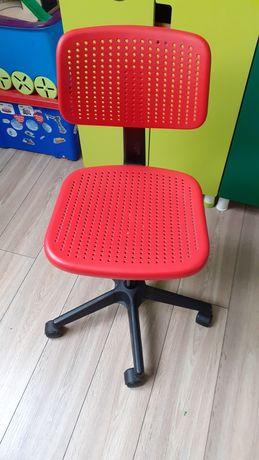 Krzesło do biurka Ikea dla dziecka