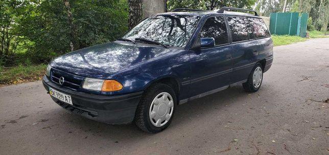 ТЕРМІНОВО продам Opel Astra F