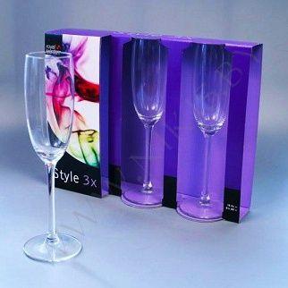 Набор бокалов для шампанского.
