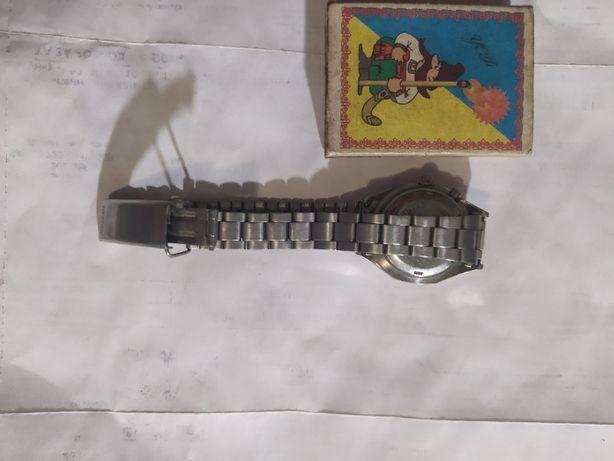 orient часы с подзаводом женские