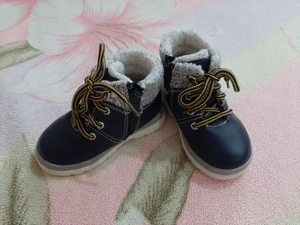 Ботинки осень/зима HM размер 20-21