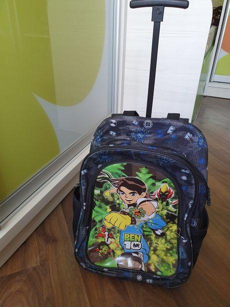 Школьный рюкзак на колёсиках