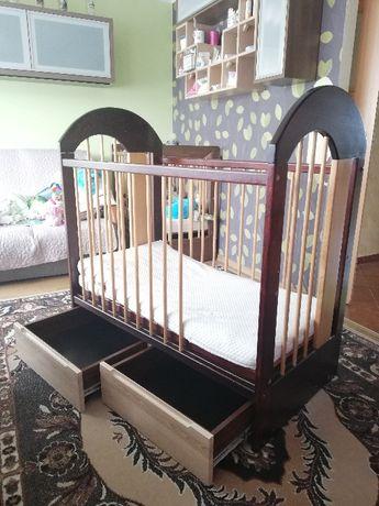 Łóżęczko dziecięce 120x60 drewno jesion w kolorze mahoniu