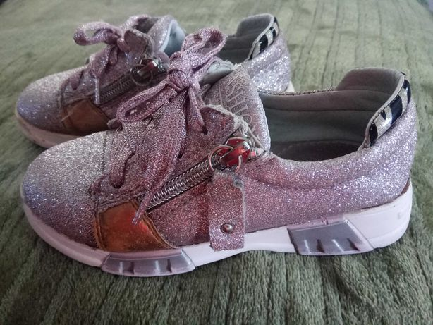 Продам туфлі для дівчинки 26 розмір