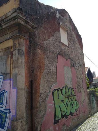 Prédio/Moradia no Bonfim com projecto arquitectura aprovado.