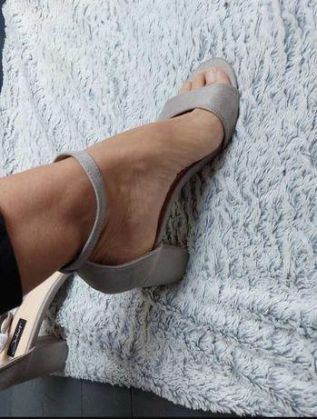 Nowe sandałki niski obcas 39