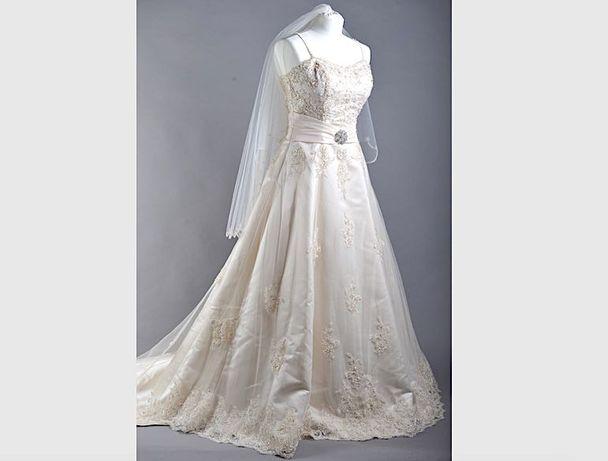 Śliczna suknia ślubna Atelier Diagonal z trenem welon kolor krem r36