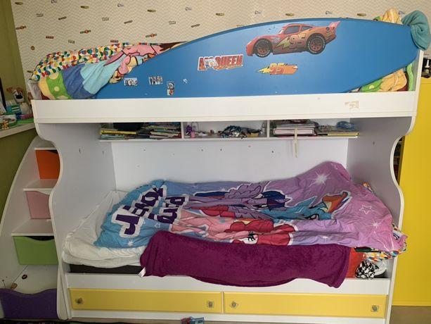 Двухъярусная кровать детская продам