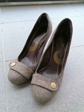 Sapatos em óptimo estado