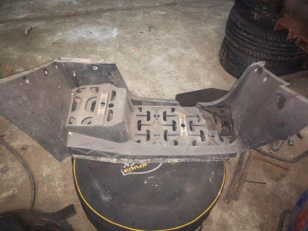 Stopień podnóżek cfmoto 800 X8 cf moto uszkodzony