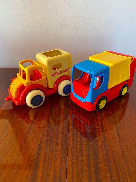 Samochody: śmieciarka i ambulans