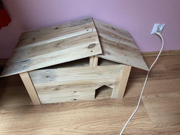 Drewniany domek dla zwierząt nowy