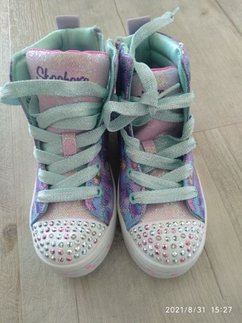 Sapatilhas de menina skechers novas