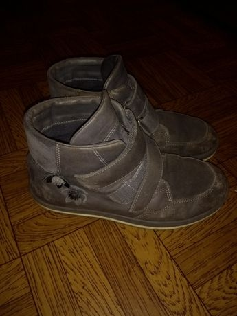 Ботинки демисезонные на девочку 34 р. Кожа