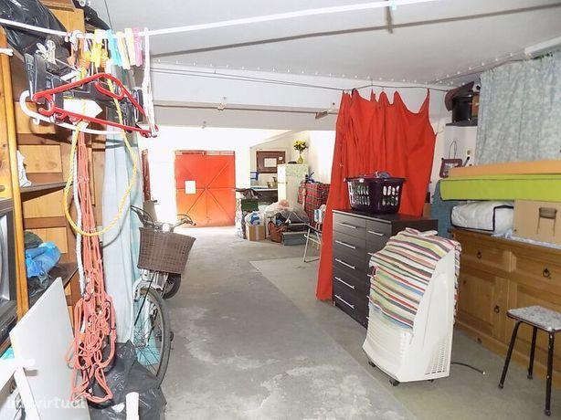 Garagem no Lavradio