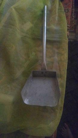Продам металлический совок для золы б/у 150гр