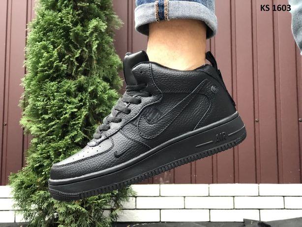 Nike Air Force 1 07 Mid LV8 (черные) ЗИМА