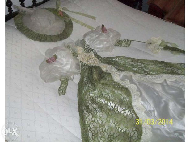 Vestido Antigo em seda para boneca grande