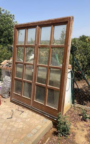 Porta com vidro duplo de madeira