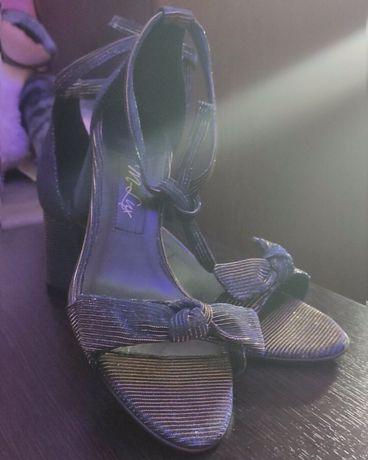 Италия босоножки туфли на завязках с бантами натуральная кожа текстиль