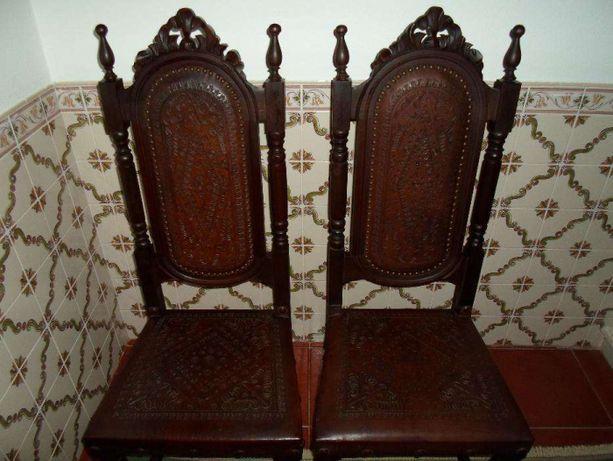 Cadeiras estilo séc. XVII