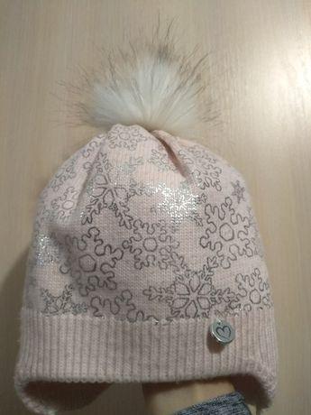 Продам зимову теплу шапочку на дівчинку