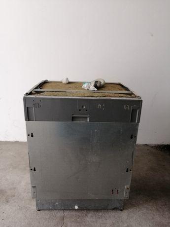 Zmywarka do zabudowy Whirlpool ADG 9840/1 (uszkodzona)