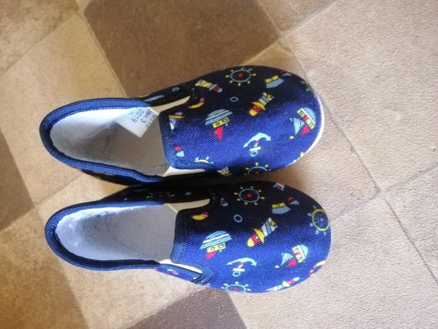 Взуття в садік