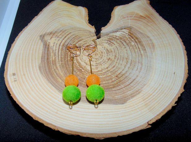 Pomarańczowo-zielone kulki zamszowe klipsy