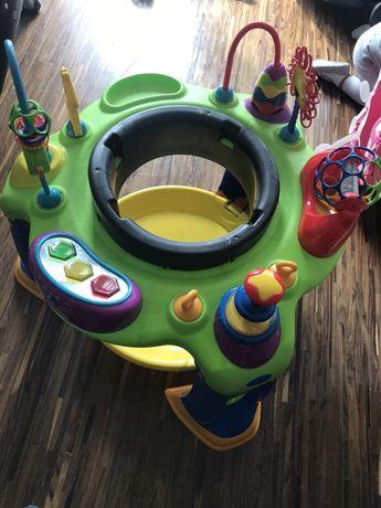 Skoczek trampolina