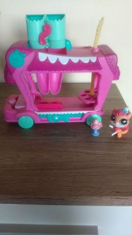 Pojazd dla pet shopów.