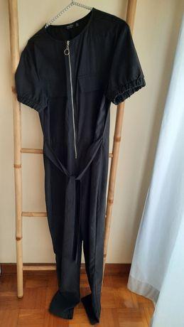 Macacão preto com cinto