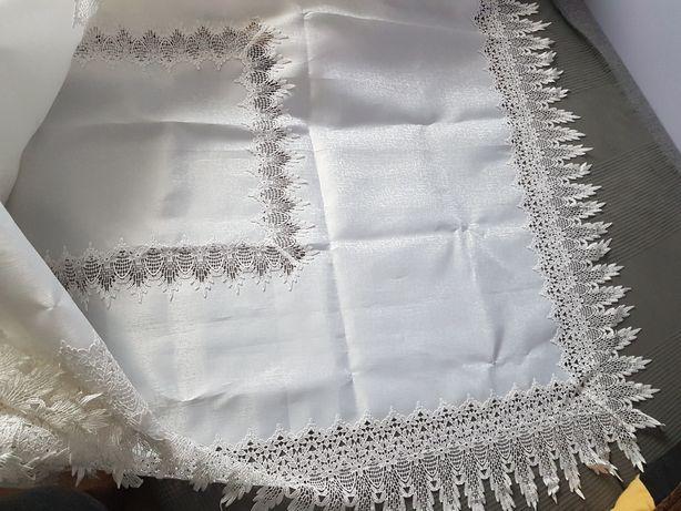 Biały obrus 260×150