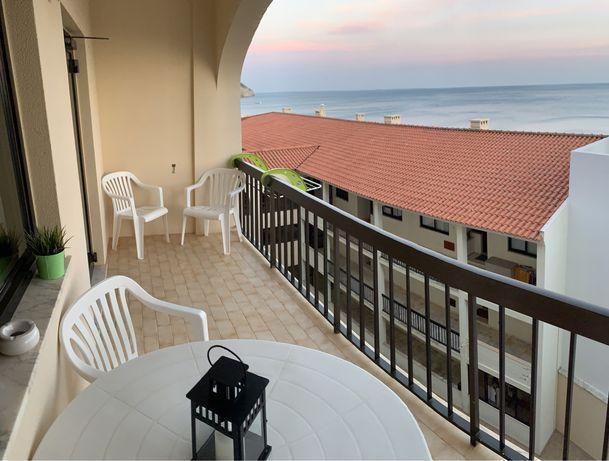 Apartamento Frente ao Mar Sesimbra c/ garagem