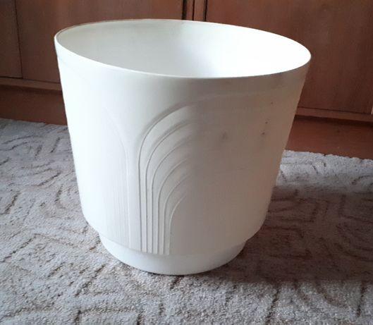 duża doniczka plastikowa biała donica 32/30 cm.