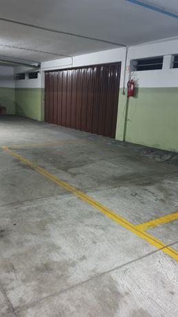 Arrendo lugar de garagem praça do marquês Porto