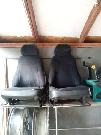 Fotele przednie Łada Niva