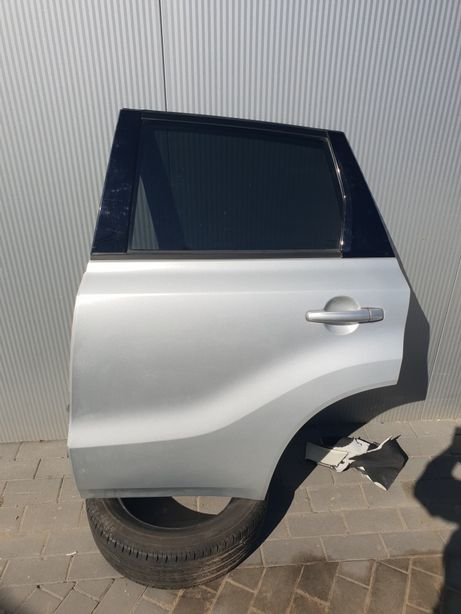 Suzuki Vitara III Drzwi
