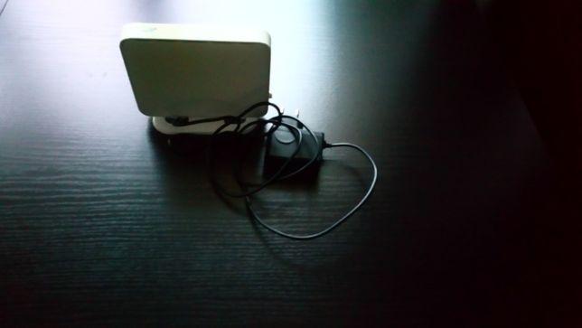 Продам модем із зарядним пристроєм для підключення Інтернет