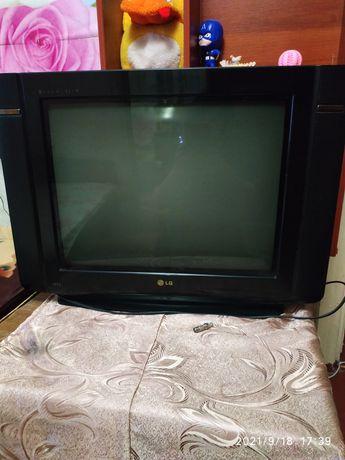 Продам телевизор-экран плоский