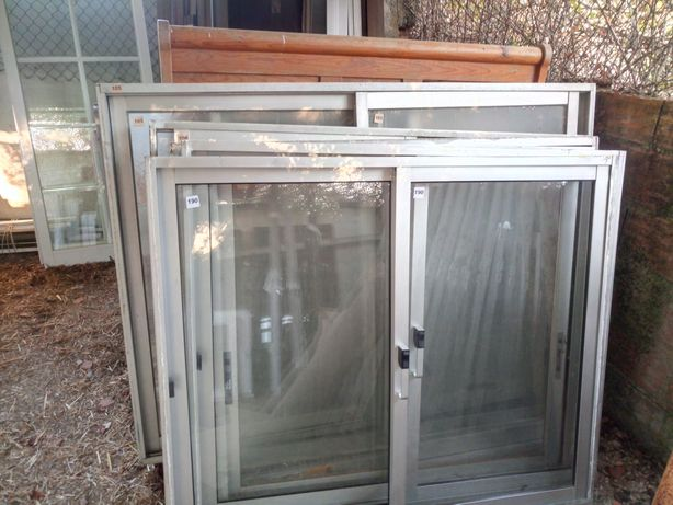 Janelas e Portas aluminio usadas Bom estado