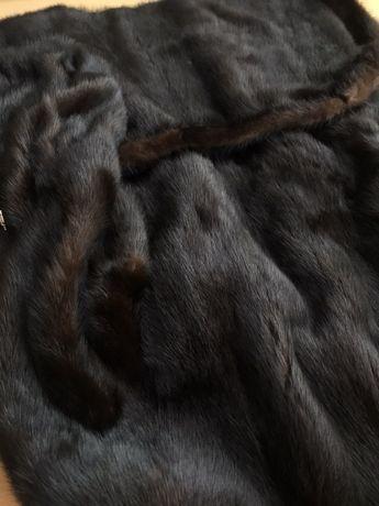 Натуральная норковая шуба с капюшоном и рукавами колокольчиками