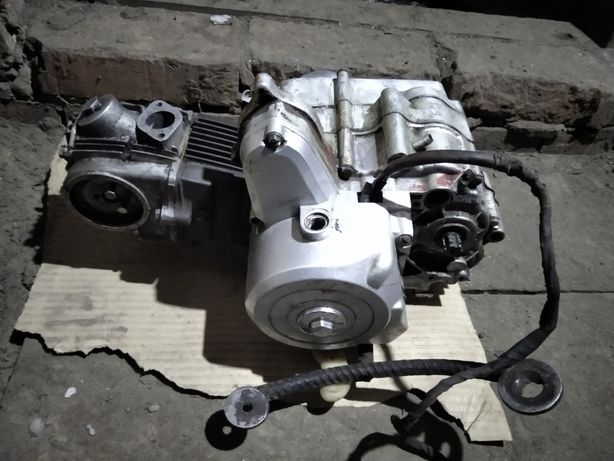 Продам двигатель альфа 75сс по запчастям продаю розбирать не буду
