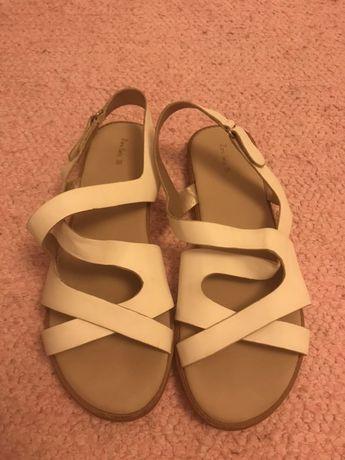 Sandálias zara tamanho 35