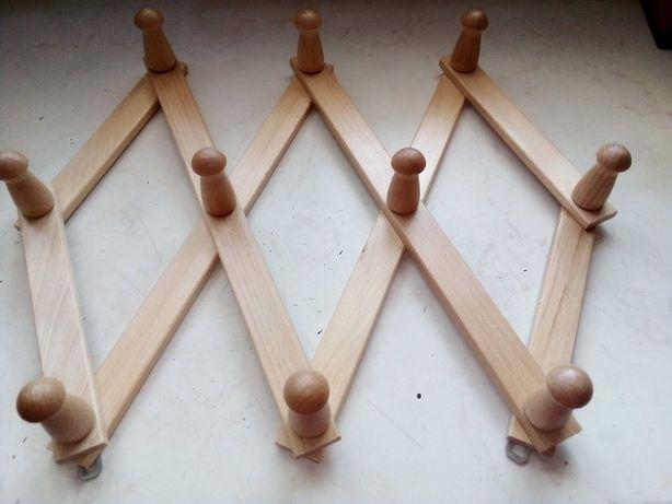 Nowy wieszak drewniany